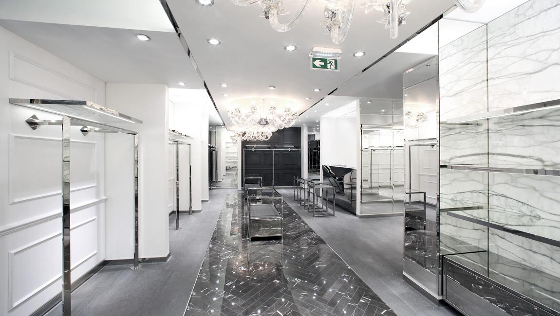 AQUILIALBERG_PHILIPP PLEIN Paris store 06