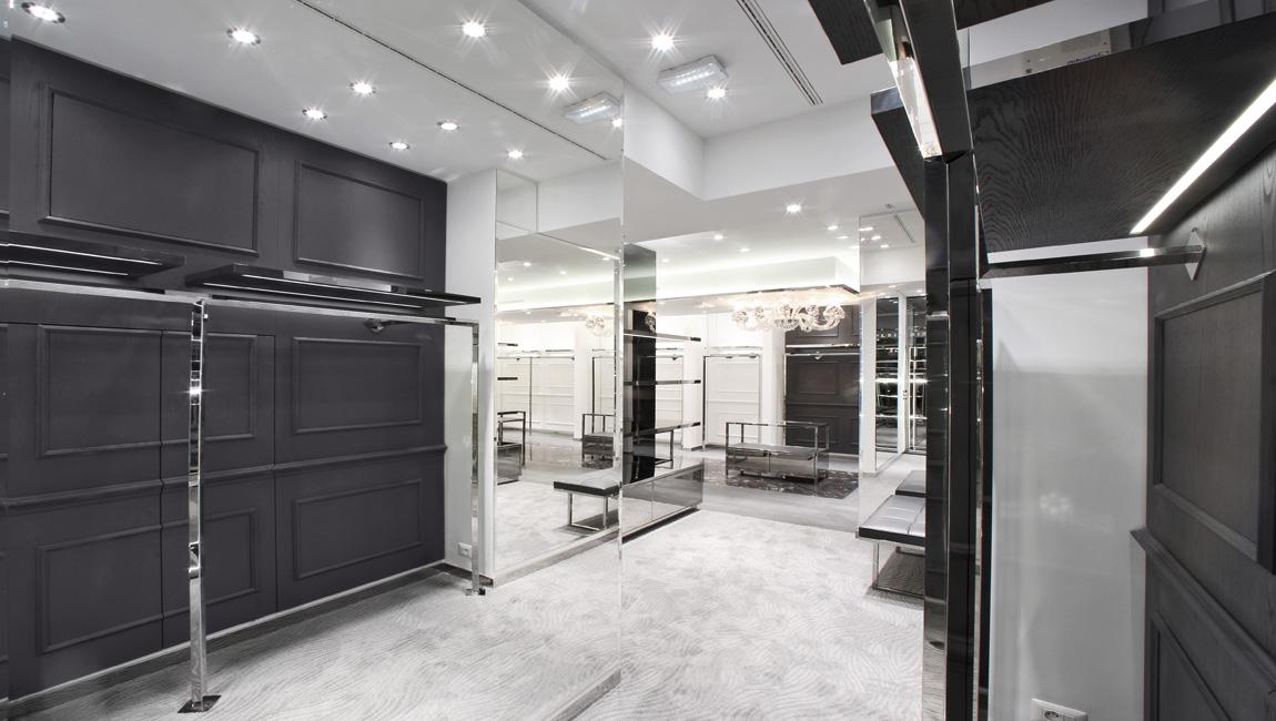 AQUILIALBERG_PHILIPP PLEIN Paris store 08